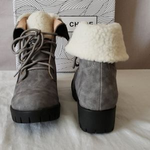 Chase + Chloe Shoes - New Chase and Chloe Magdigan Faux Shearling Combat